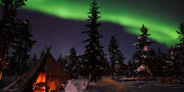 northern-light-in-santa-village