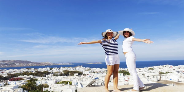 International-Travel-Packing-List-Travel-Abroad-With-Friends