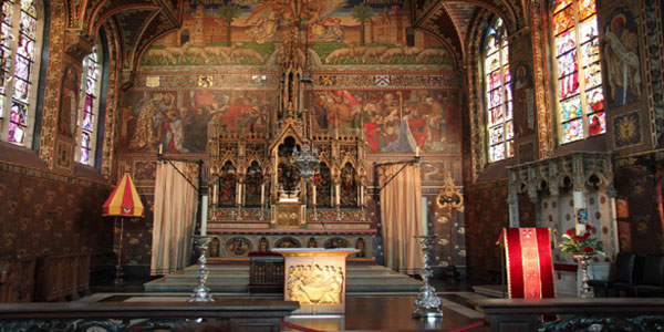 Basilica-of-Holy-Blood,-Bruges